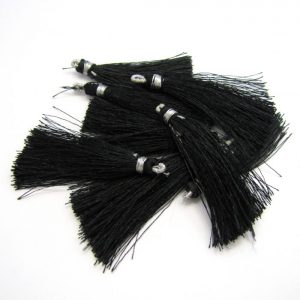 4.5cm silk tassel with loop black