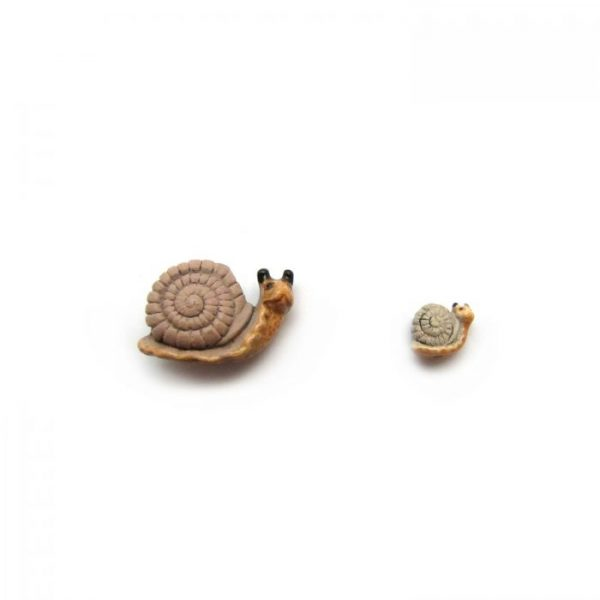 ceramic bead large and small snail side on