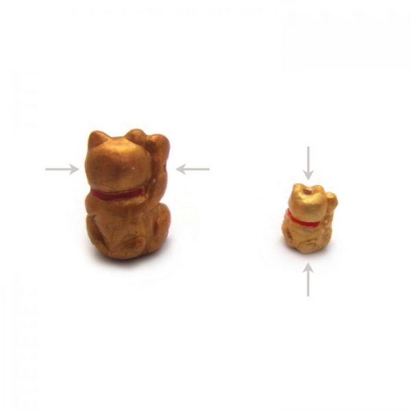 lucky cat from back showing bead hole location large and small ceramic beads