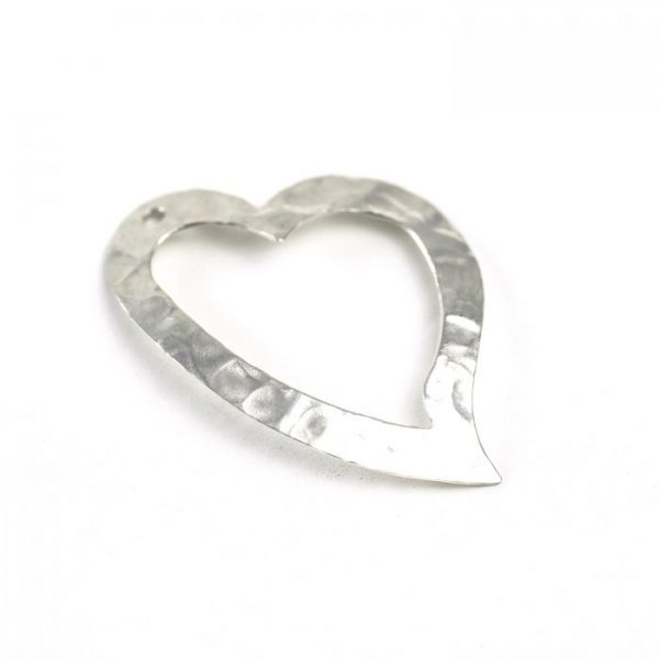 sterling silver hammered heart outline charm