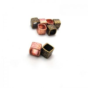 Hammered Square Spacer bead (2)